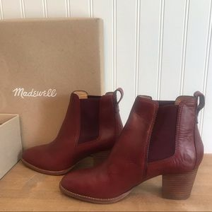 Madewell Chelsea boots in leather size 6